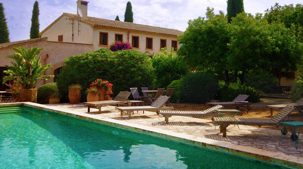 sanau_retreat_mallorca_spain_pool.png