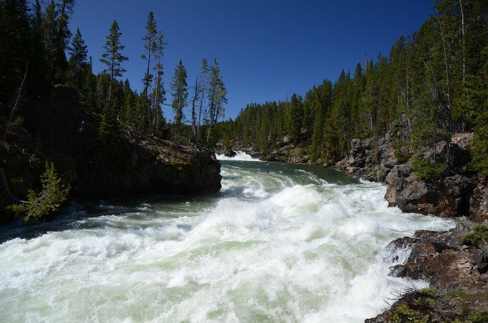 river-69567_1920.jpg