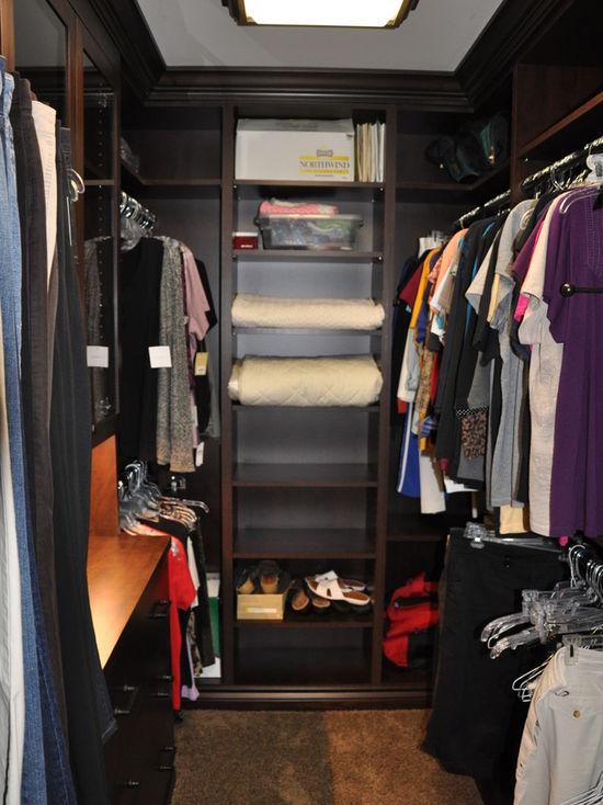 6901126101533e72_0962-w550-h734-b0-p0-q80--traditional-closet.jpg