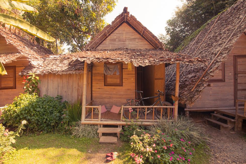 pai thailand bungalow
