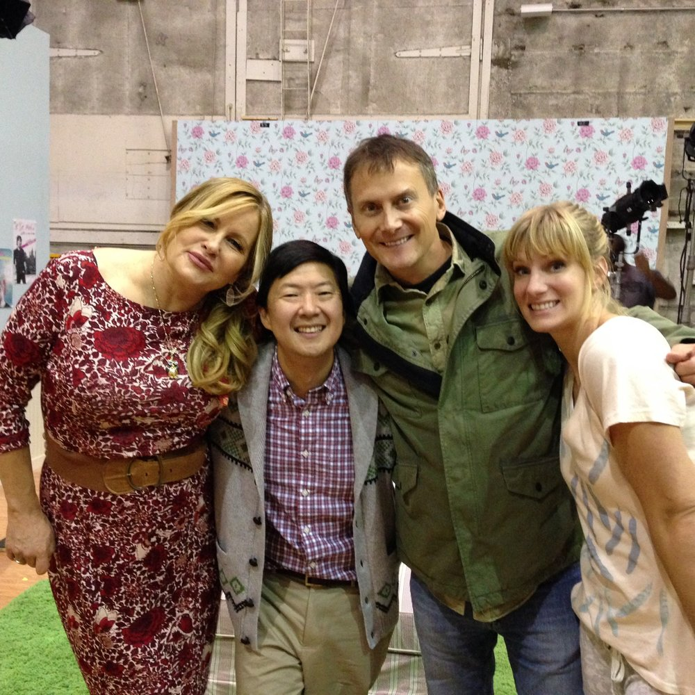 BEHIND THE SCENES WITH JENNIFER COOLDGE, KEN JEONG, HEATHER MORRIS; GLEE