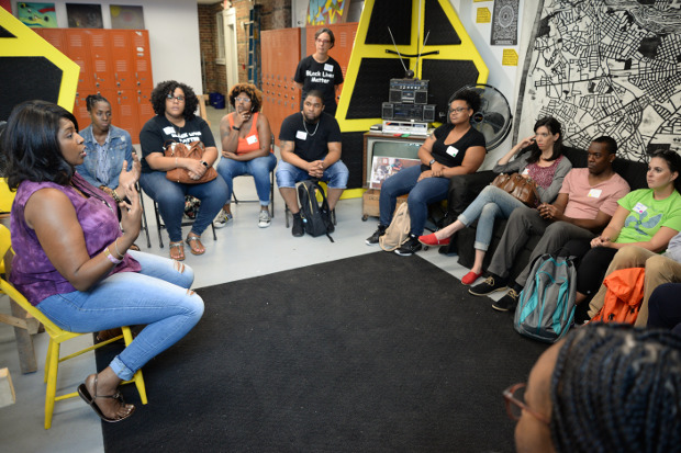 Social work students get a close look at Richmond's history of housing and racial injustice - Free Egunfemi of Untold RVA speaks with VCU School of Social Work students and faculty at the Six Points Innovation Center as part of Richmond [Re]Visited.