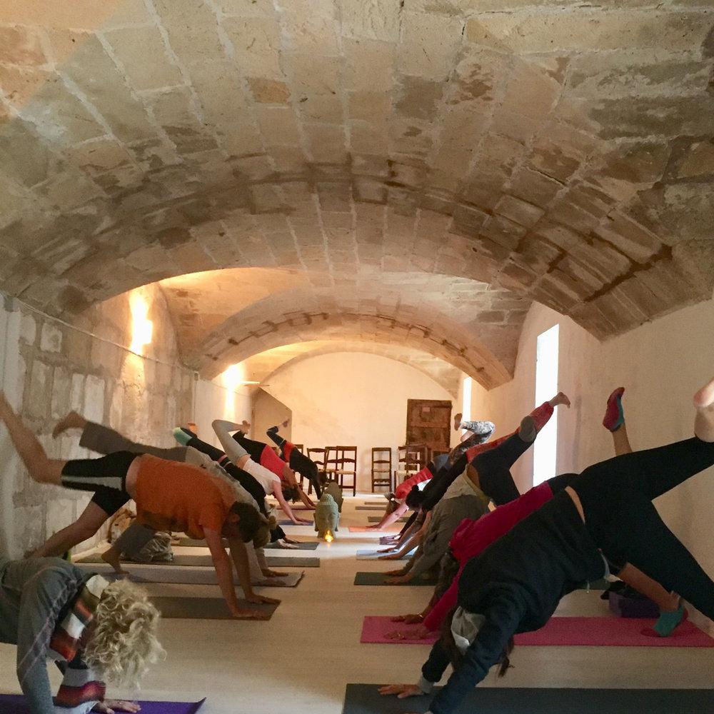 yoga_arch.jpg
