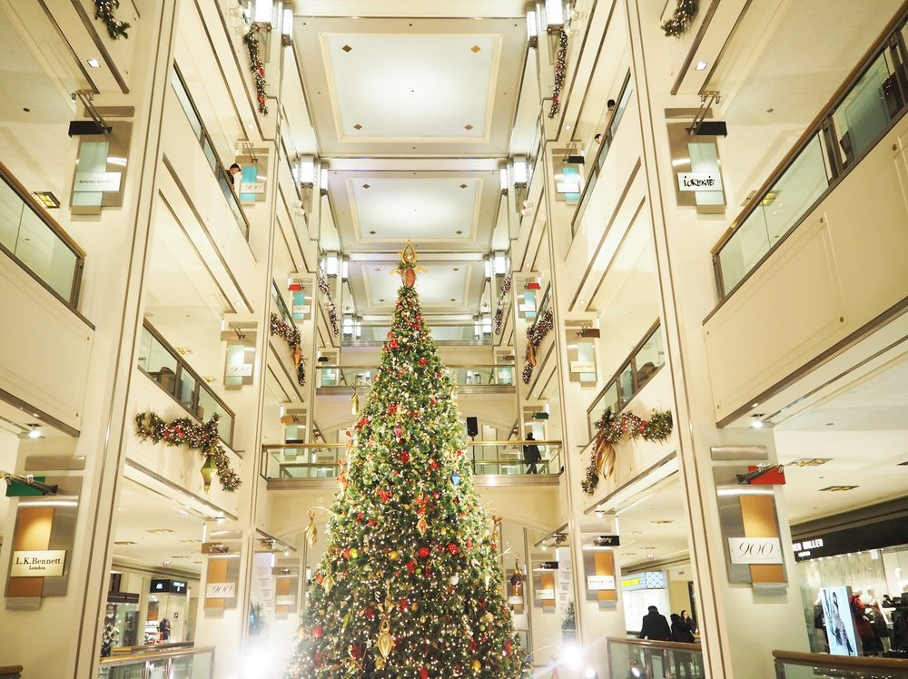 Christmas shopping in Chicago