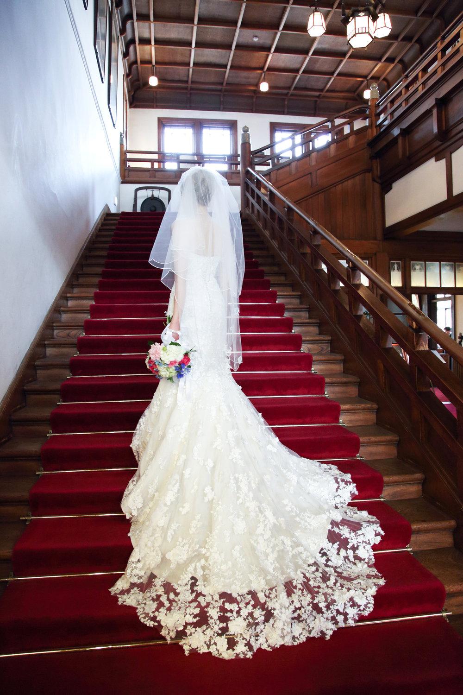 wedding_dress_train.jpg