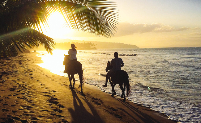 horseback riding beach.jpg