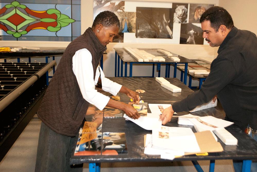 Martin-Luther-King-Jr-Hospital-Willowbrook-Moody-Artwork-Glass-Ceramic-Fritl.jpg