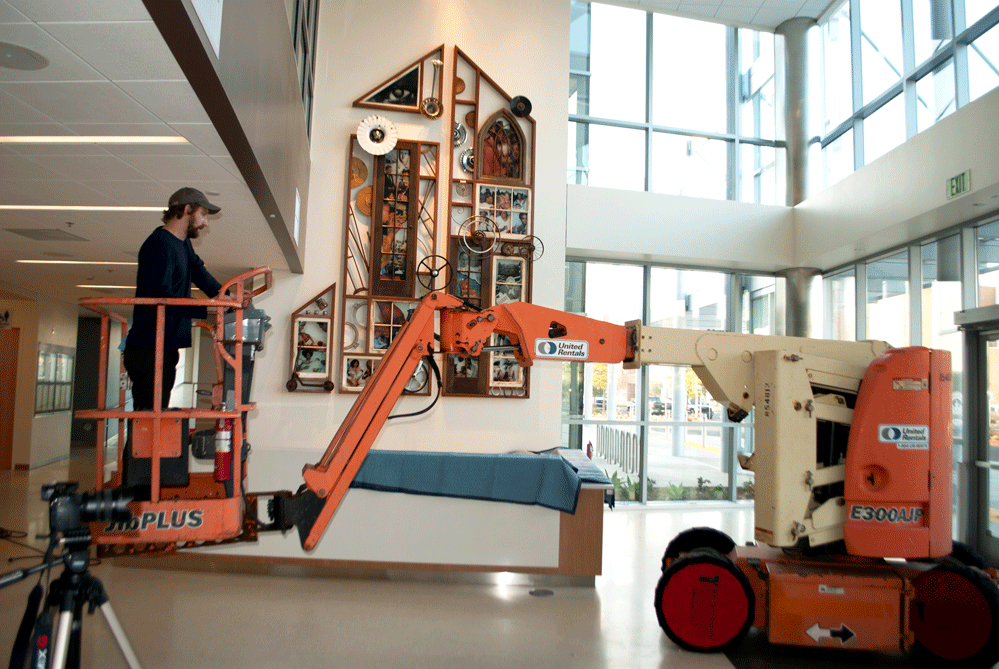 Martin-Luther-King-Jr-Hospital-Willowbrook-Moody-Artwork-installation-Lift-Standard-Sculpture.jpg