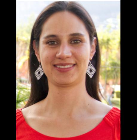 - Karla es la coordinadora del Programa de Aprendizaje y Servicio Comunitario de la USFQ desde 2003. Es docente en el Colegio de Ciencias Sociales y Humanidades de la USFQ en donde enseña en pregrado y postgrado. Tiene una maestría en Trabajo Social con especialización en Trabajo Comunitario de la Universidad de Portland.