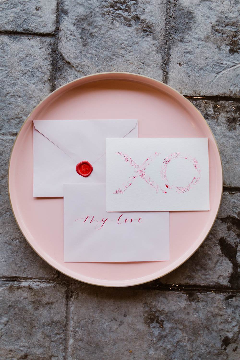 The amazingly talented  Brooke Averill  created stunning love notes for our couple. These details added the perfect romantic element for Valentine's Day.