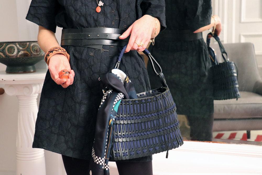 Leather Basket (S) Black x Navy