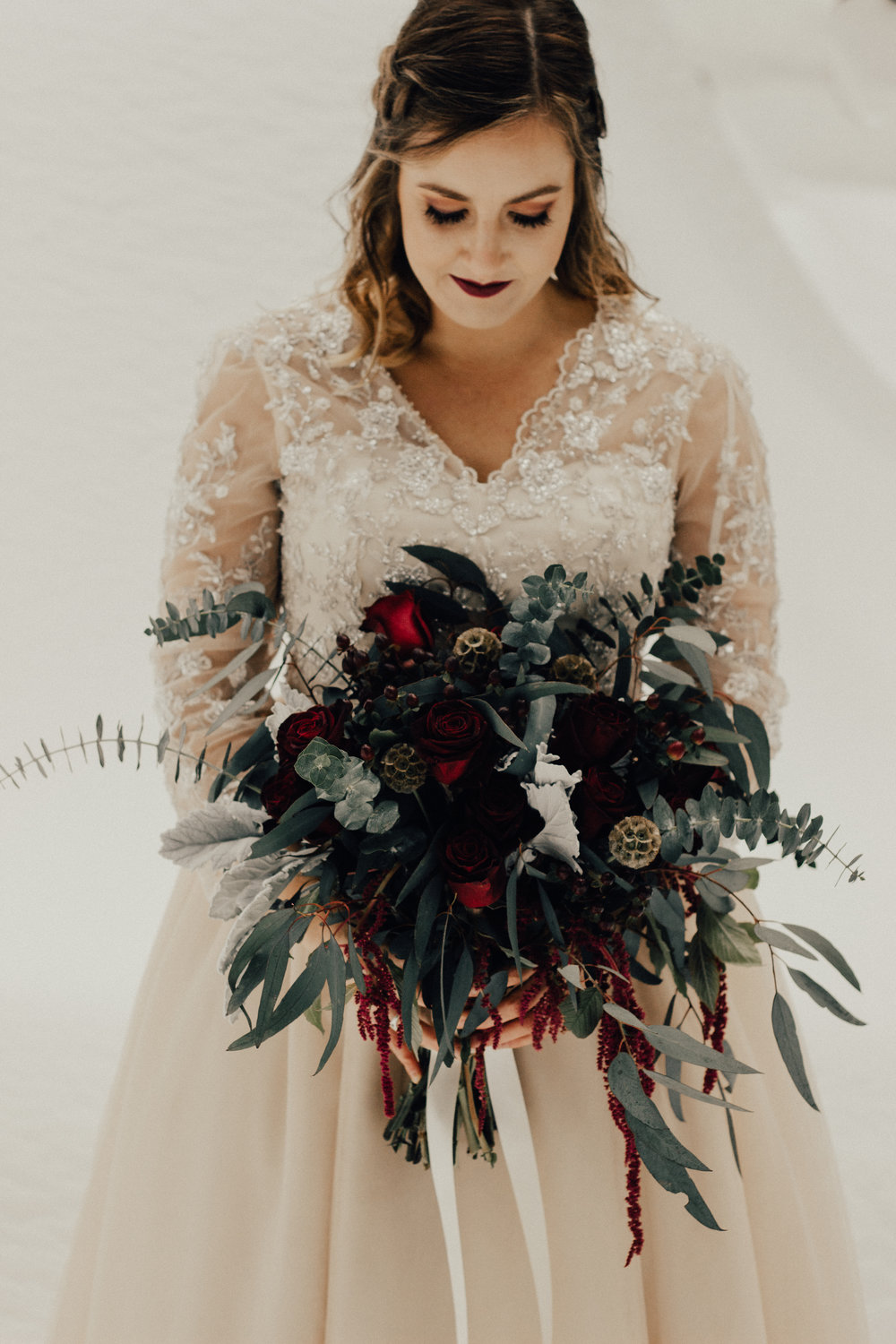 Styled-Winter-Elopement-83.jpg