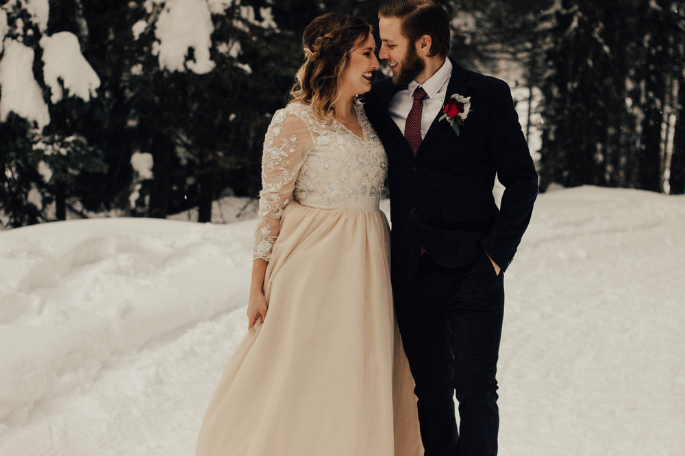 Styled-Winter-Elopement-191.jpg