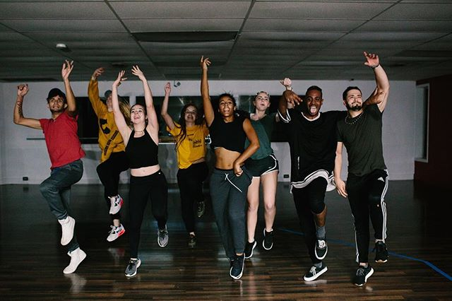 Jumping for joy because it is our first night back in the studio after Thanksgiving break! 🙌 •  Who is coming to dance tonight?? •  4:30-5:30pm Int Adv Jazz | 6-8 year old Hip Hop  5:30-6:30pm Leaps Jumps Turns | Beg Hip Hop  6:30-7:30pm Adv Ballet | Int Hip Hop  7:30-8:30pm Adv Contemporary | Adult Hip Hop 8:30-9:30pm Adv Hip Hop | Adult Street Jazz • 📸: @kellapp
