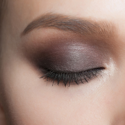5 Simple Steps to a Smoky Eye