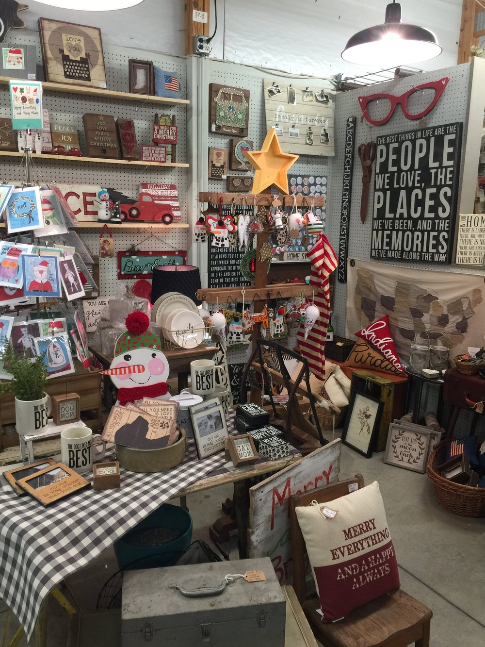 Gilley's Antique & Decorators Mall - 5789 E. US Hwy 40Plainfield, IN 46168Open 10-5 daily