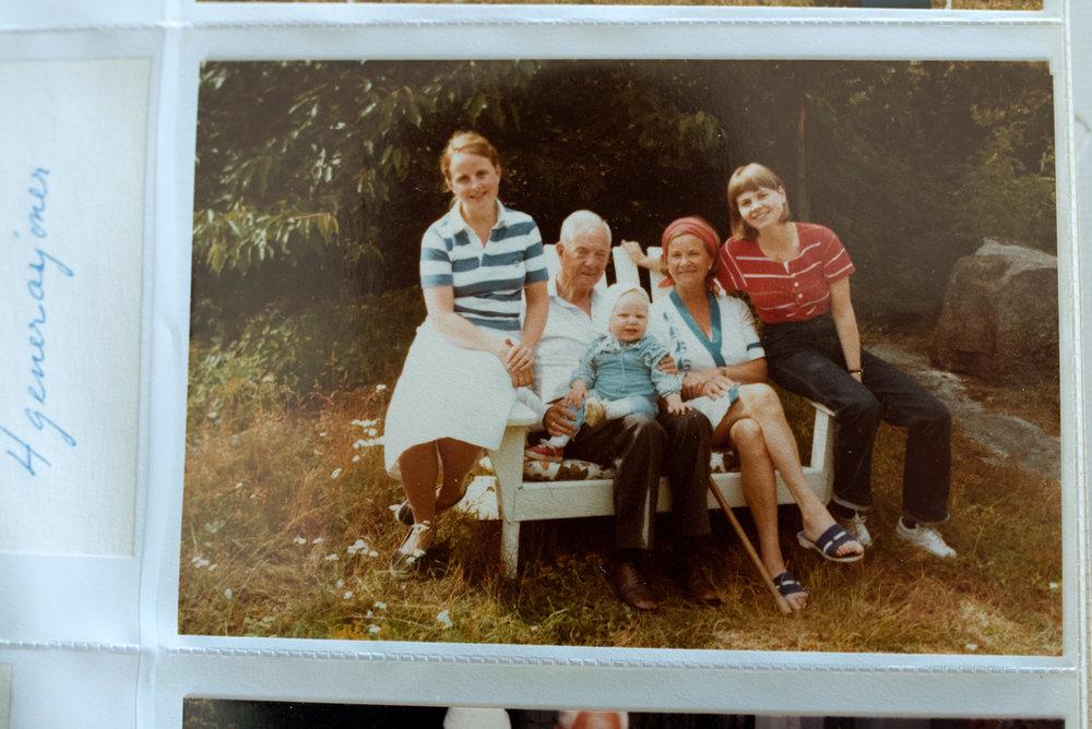 e_four_generations_family.jpg