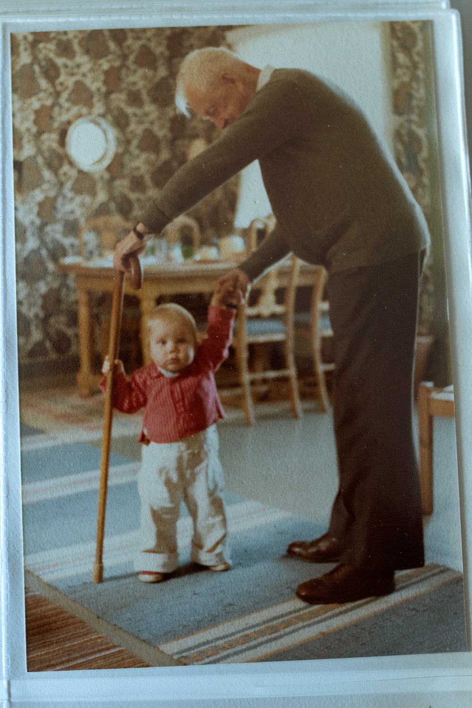 e_walking_greatgrandfather_family.jpg