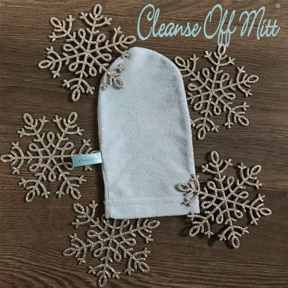 CLEANSE OFF MITT $10