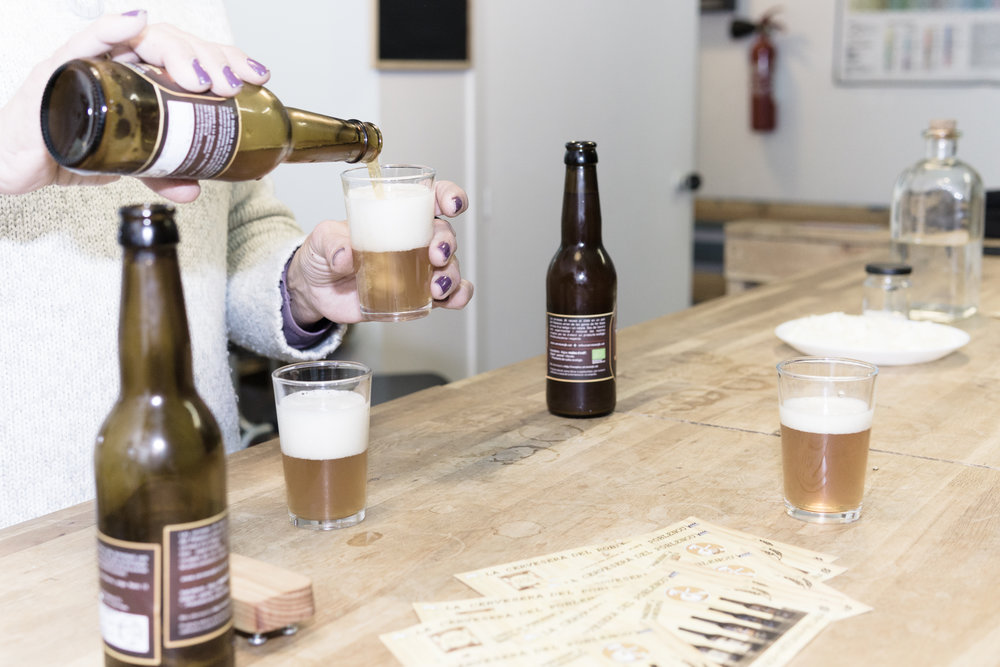 Craft and ecological beer tasting - Craft and ecological beer tasting at a local brewery in Poblenou districtIncludes: visit to the brewery, explanation from a beer expert, 4 beers and cheese tastingPrice: from € 15 per person