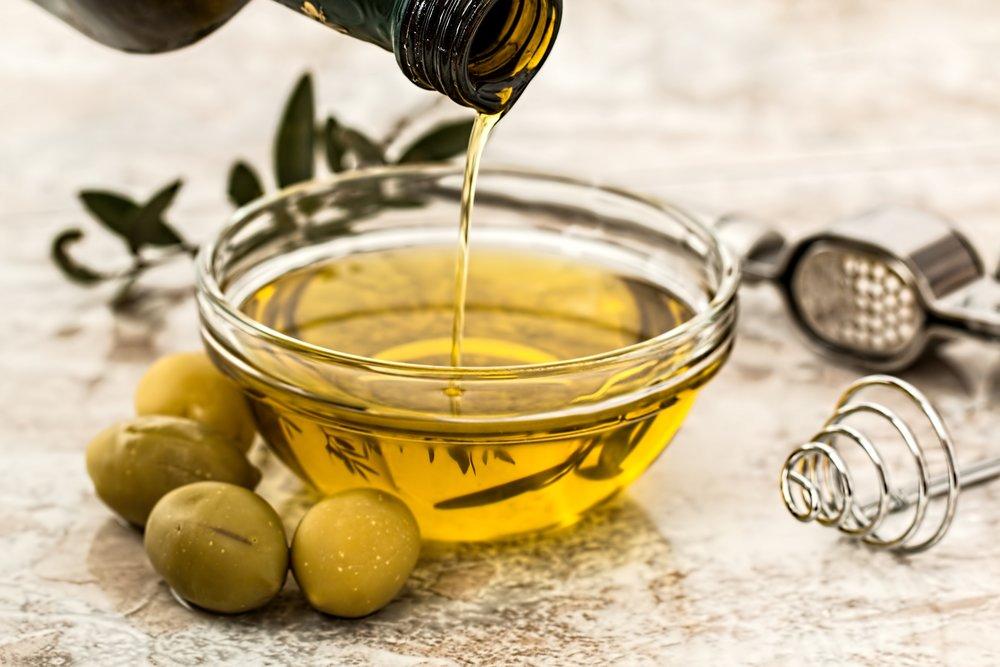 Experiencias entre olivos - El aceite de oliva es imprescindible en la dieta mediterránea. En Catalunya tenemos regiones increíbles donde, aparte de unos paisajes milenarios, podemos disfrutar de aceites de gran calidad.En Feel by Doing hemos seleccionado algunas experiencias para que puedas descubrir los secretos que esconden los campos de olivos y los sabores y texturas del aceite de oliva ecológico:- Visitas a campos de olivos milenarios para conocer a sus productores locales y hacer una cata de aceites ecológicos- Visitas a molinos de aceite con cata y degustación de productos locales- Paseos entre olivos, cata de aceite y desayuno o comida…y mucho másPrecio: desde 12€ por persona