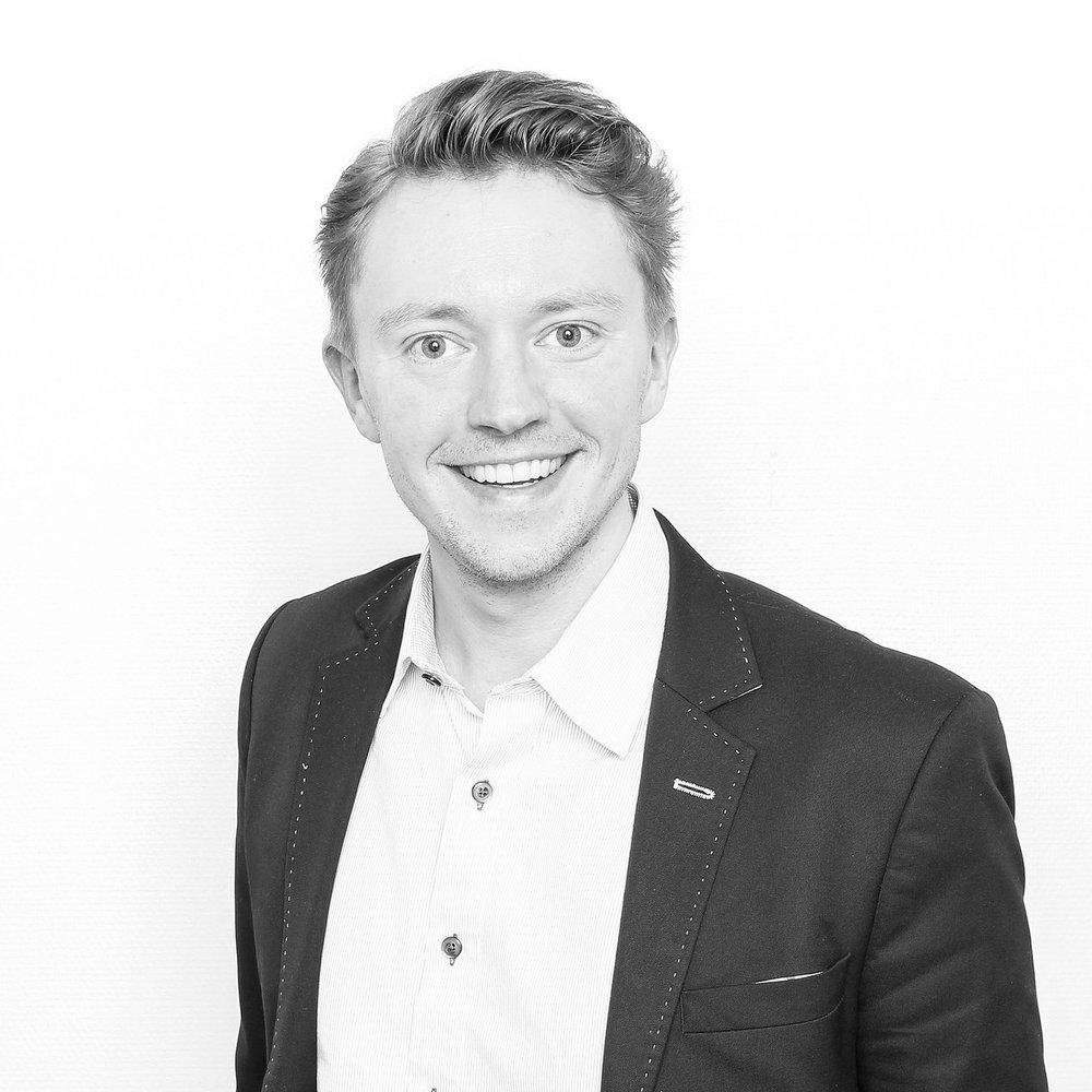 """Ole Thomas Talset  Leder seminarsporet """"samfunn og politikk""""  Administrativ leder i tankesmien Skaperkraft"""