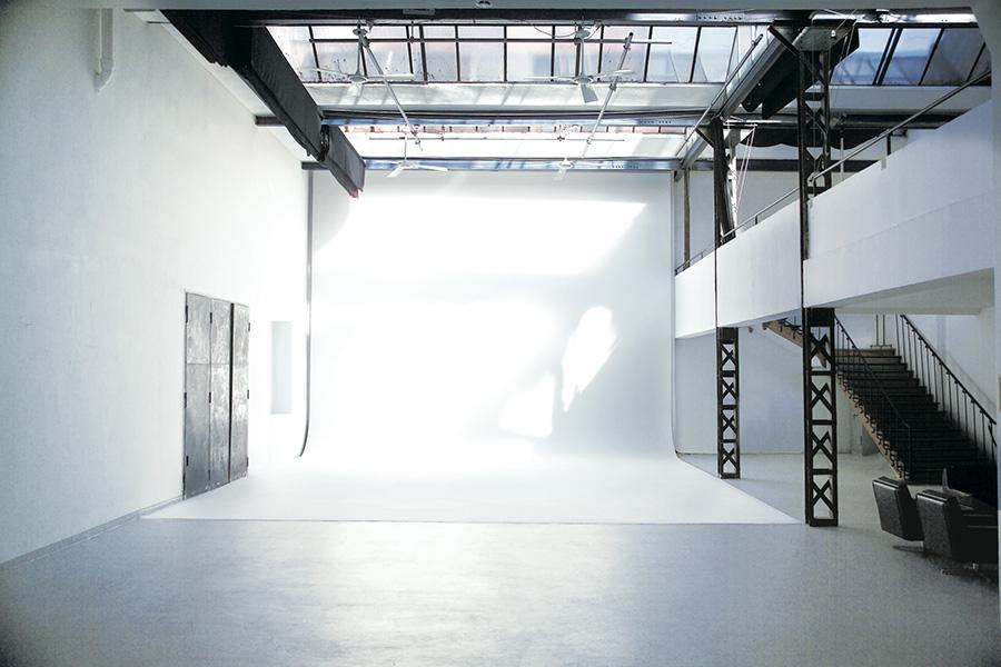 studio-01-home-studio-1-3-full-900x600.jpg