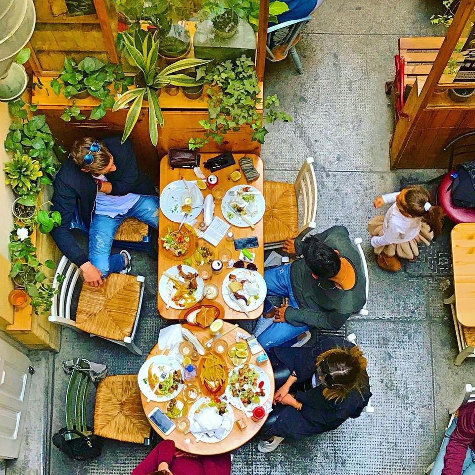 """Evroulas restaurant"""