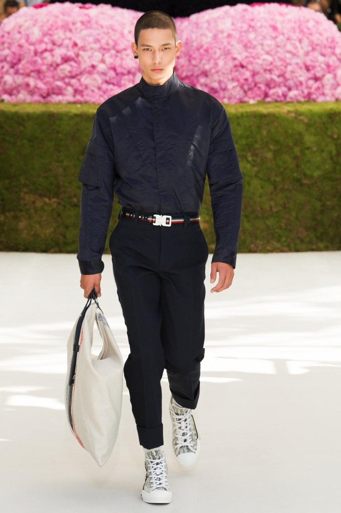 DIOR-MEN-SS19-HERO-25-665x1000.jpg