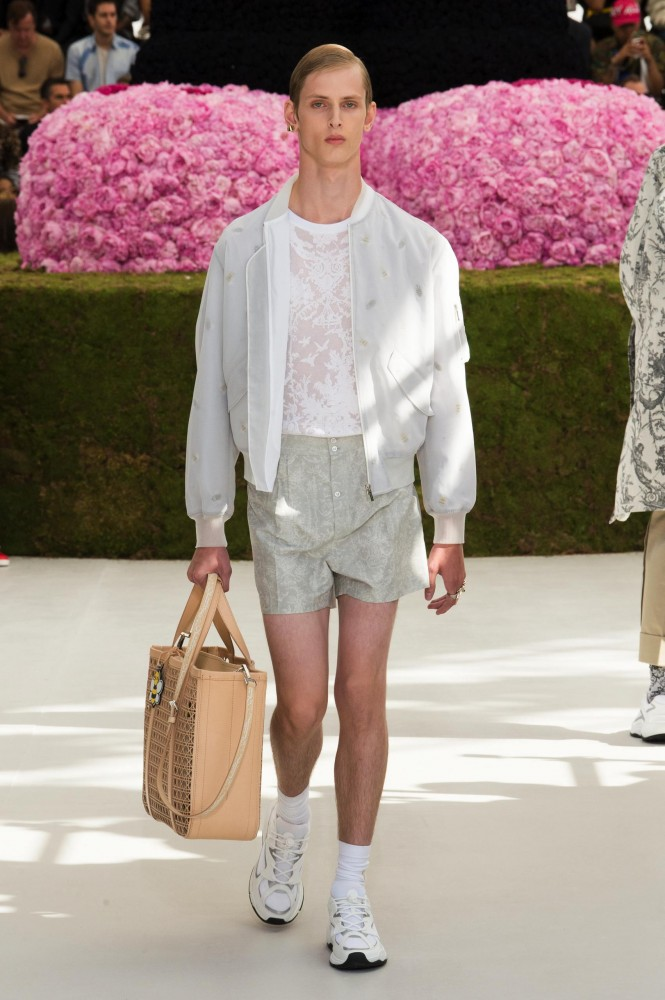 DIOR-MEN-SS19-HERO-191-665x1000.jpg