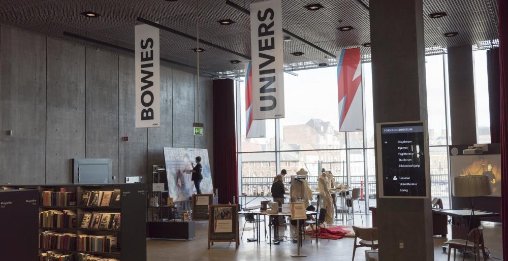 Bowies Univers: en udstilling på Dokk1