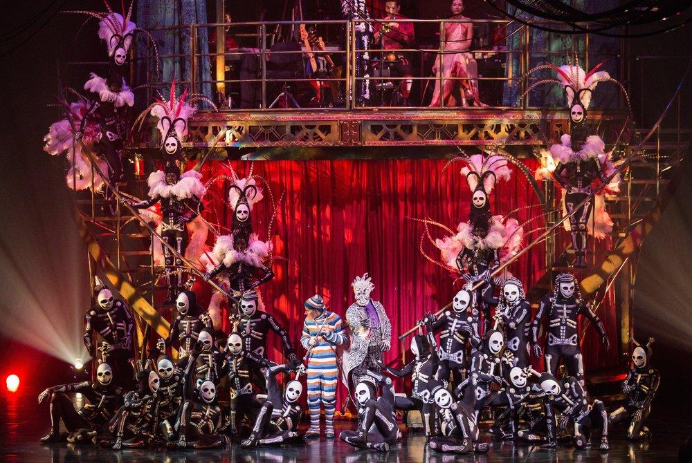 Skeleton-Cirque-du-Soleil.jpg