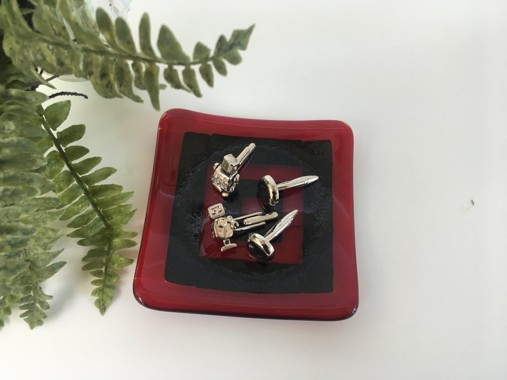 Red and black small cufflink dish