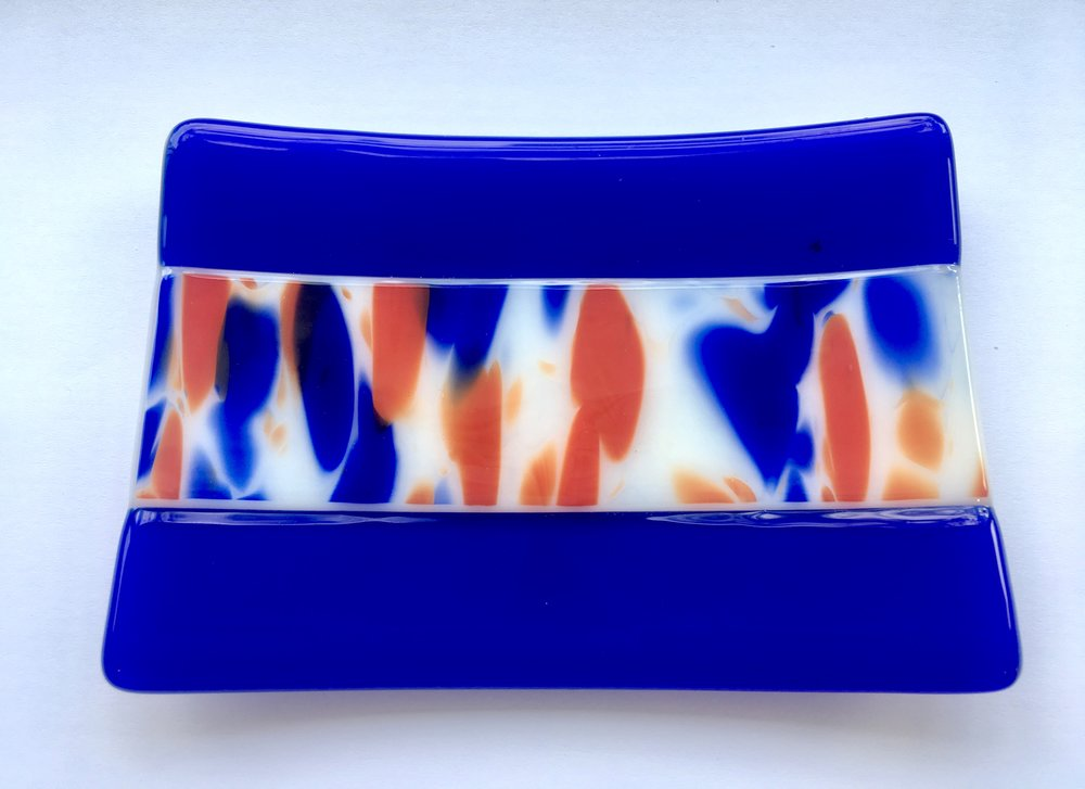 This lovely red and blue glass is special edition 'Spirit Glass', it's so fab.  Though it's opaque it goes so well with this Dark Blue transparent on a white background.  I only had a small piece, but have ordered more for a big dish, coming soon!