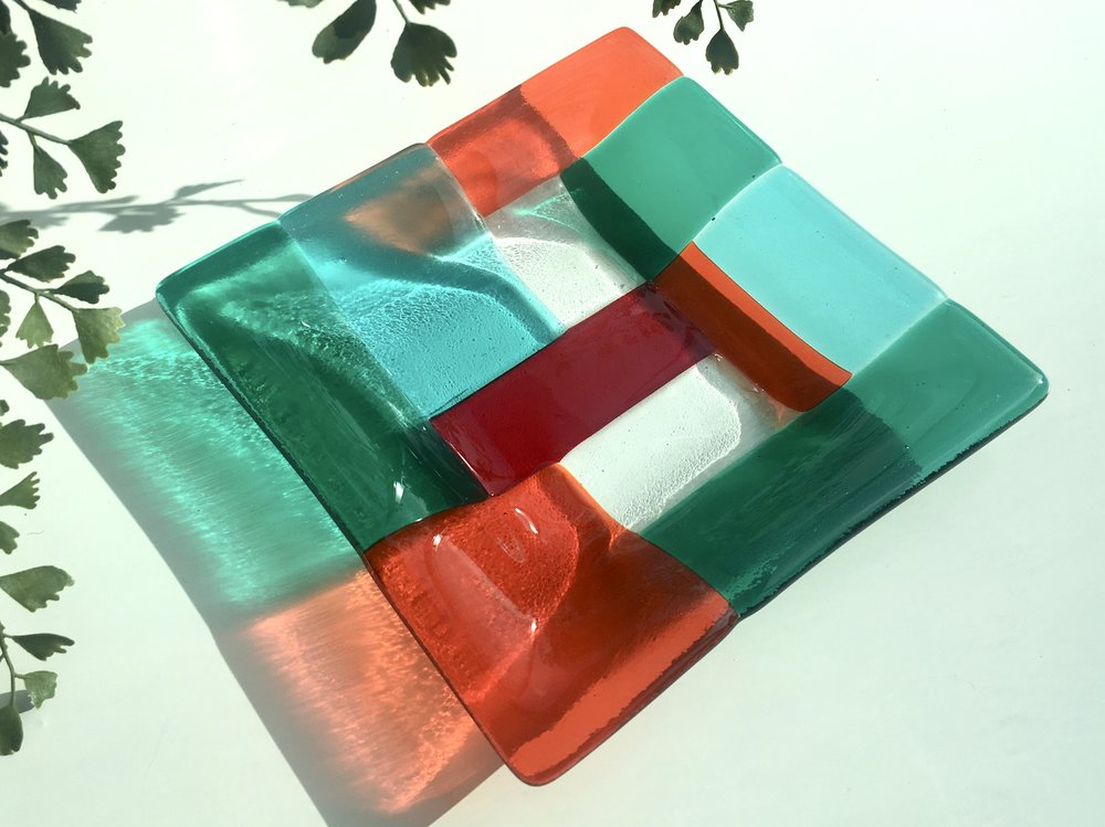 Crazy sort of Mondrian style dish in fabulous zingy colours.  Great in the sun, stylish, but not quite as mad without!