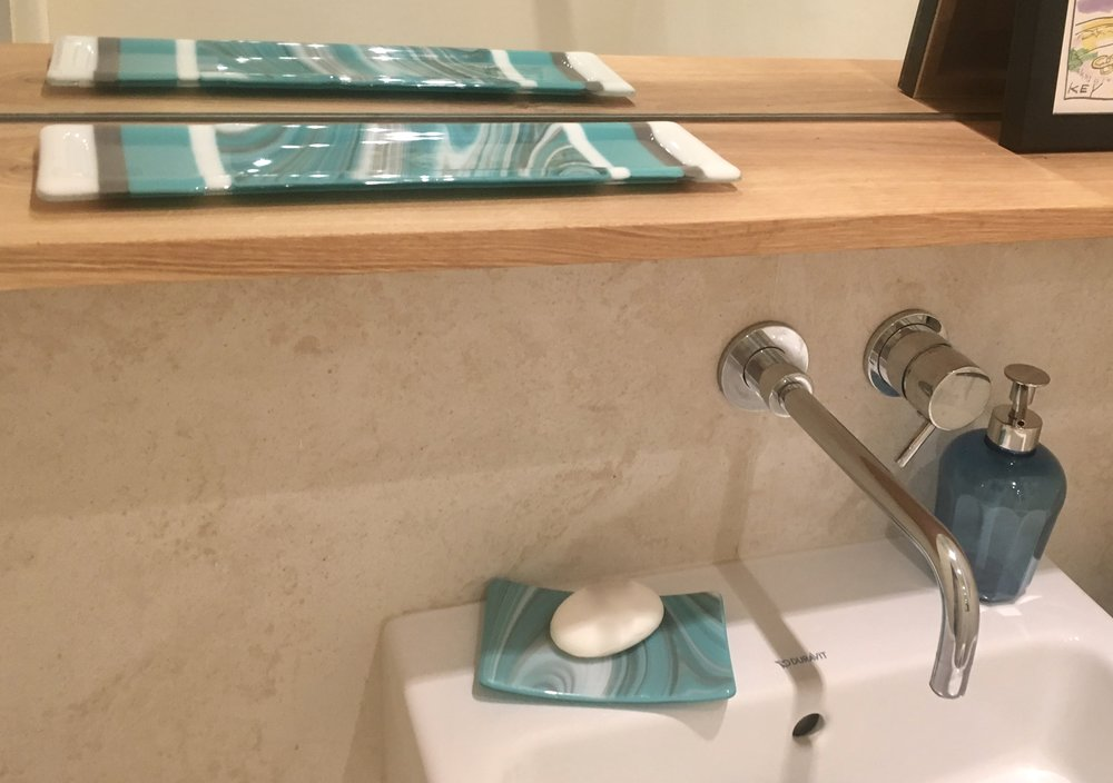 Bespoke sizes are easy too,  like this little tray I made for my loo!