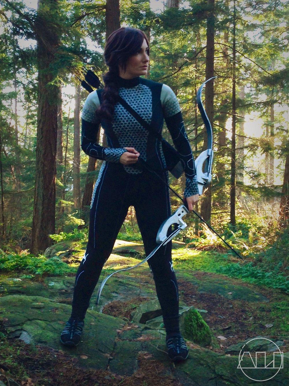 ÁLI as Katniss - full body.JPG