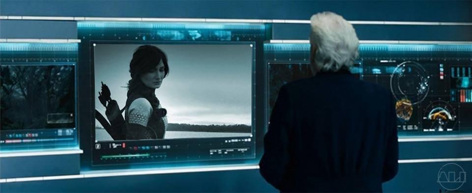 ÁLI as Katniss - GameMakers Room.JPG