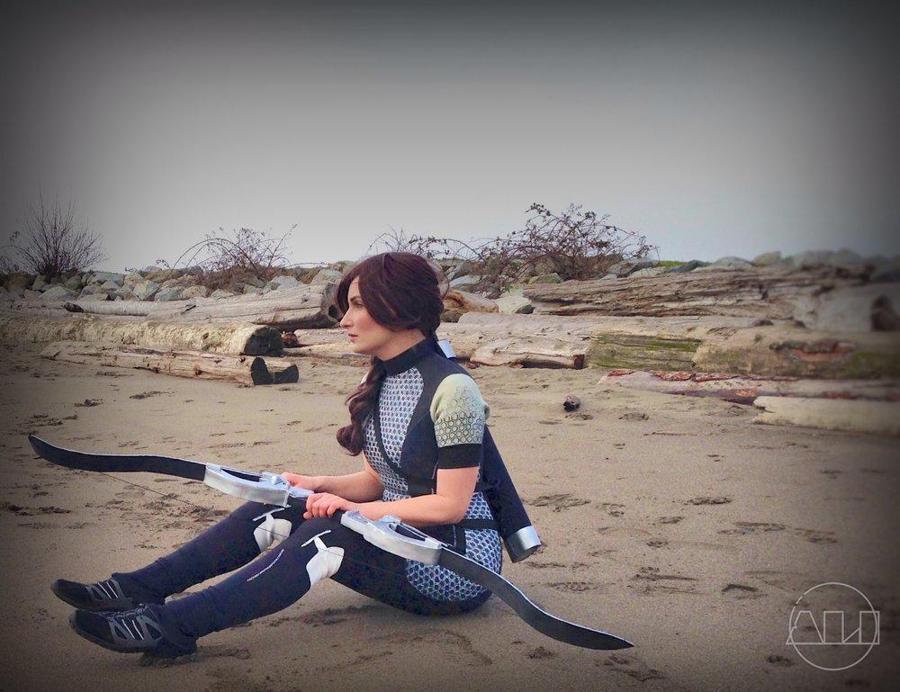ÁLI as Katniss - on the beach.JPG