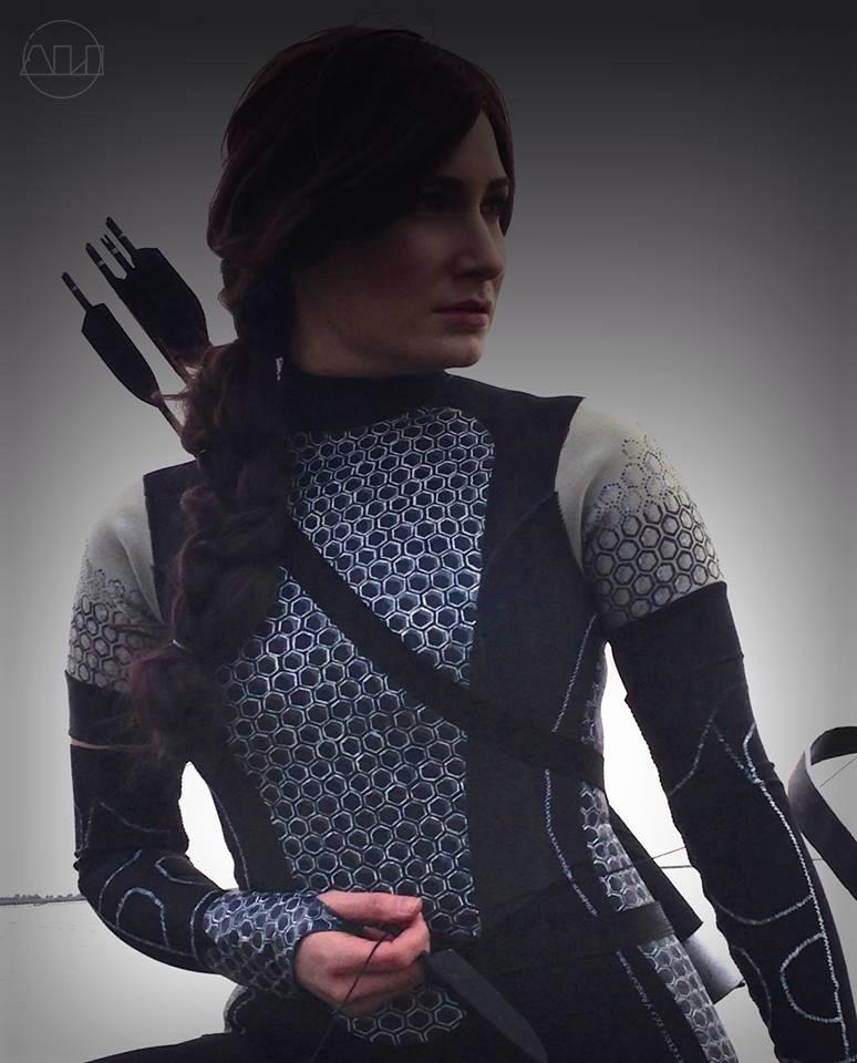 ÁLI as Katniss - Torso.JPG
