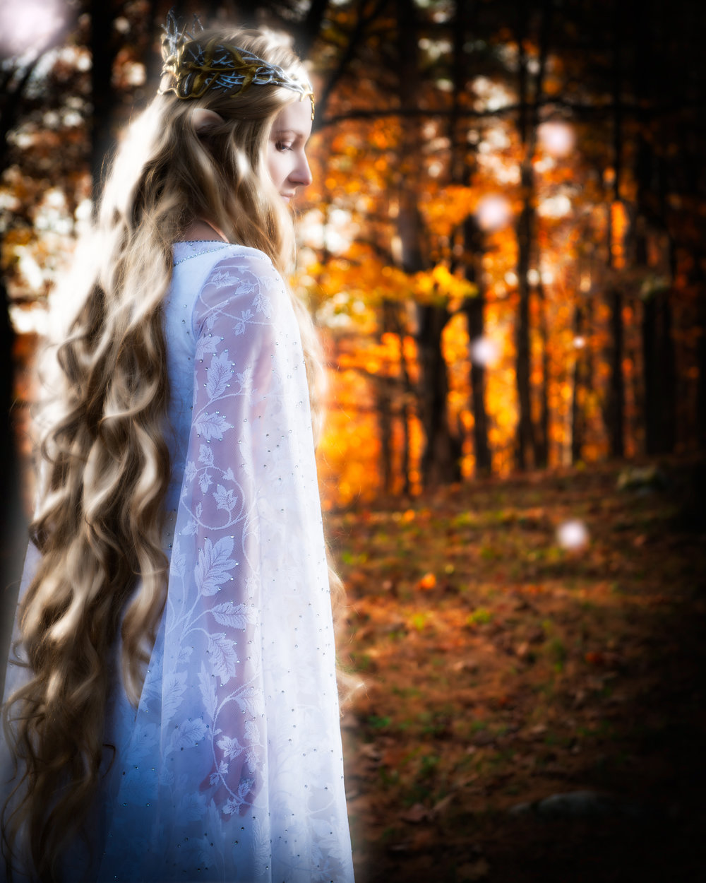 ÁLI as Galadriel - back profile.jpg
