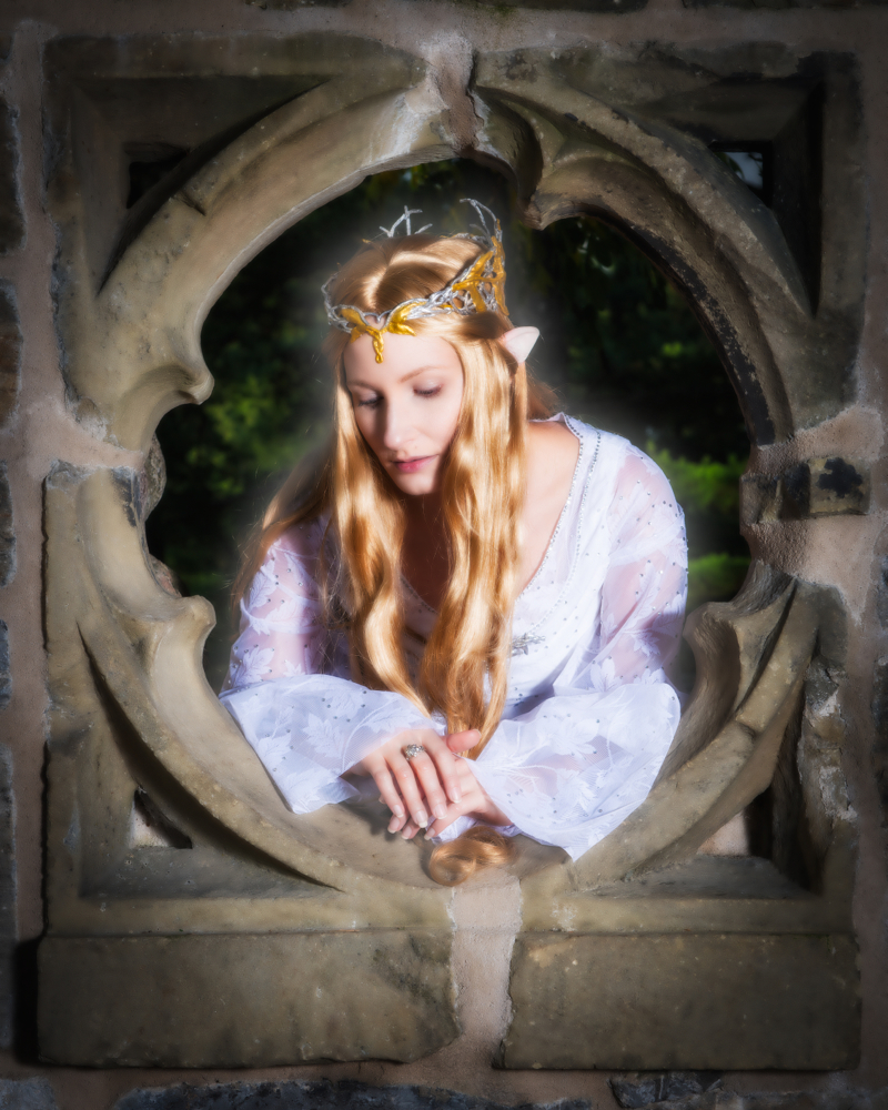 ÁLI as Galadriel - window - resized.jpg