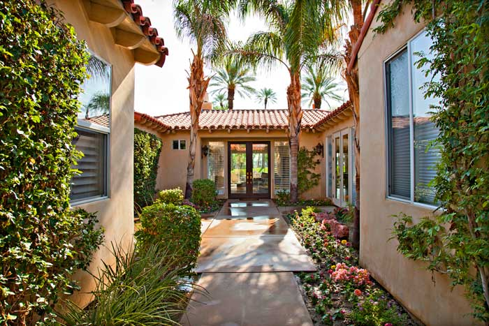 Palms_Golf_Villa_Entry_700x467.jpg