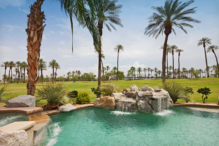 Palms_Golf_Villa_Pool_700x467.jpg