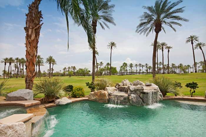 Palms_Golf_Villa_Pool_700x467.jpg