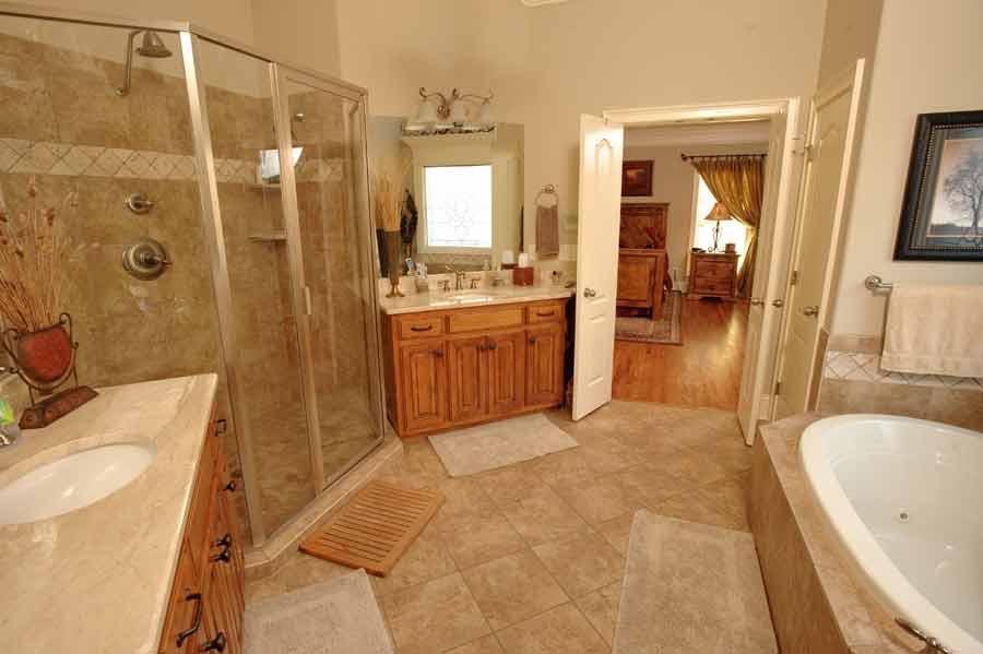 Master-Bath-Handy.jpg