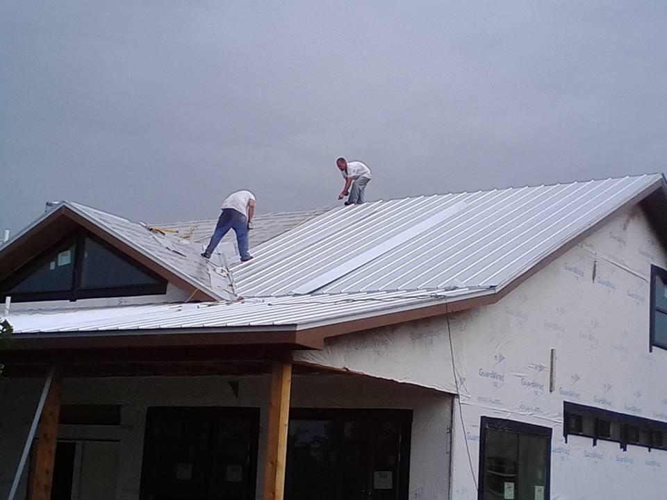 metal roof instal22.jpg