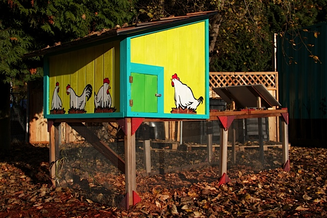 Community_garden_chicken_coop