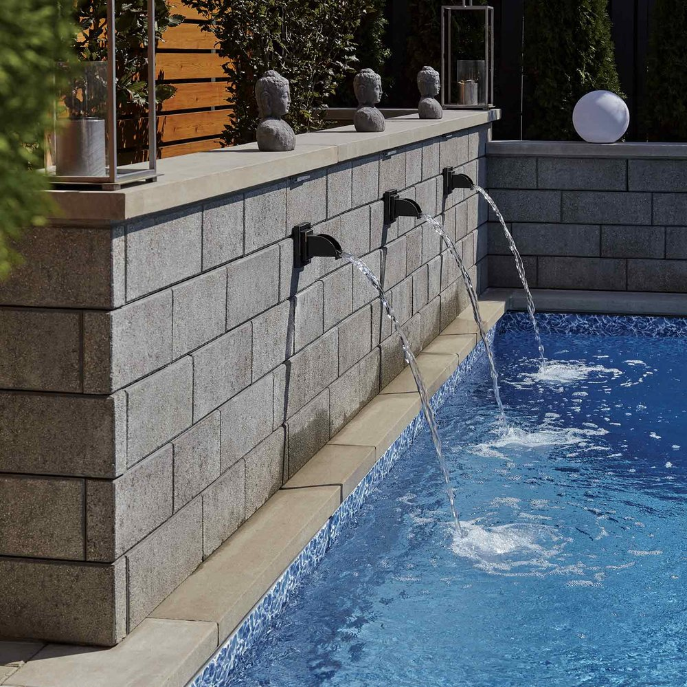 kasty-landscaping_premacon_poolpage_water-feature.png