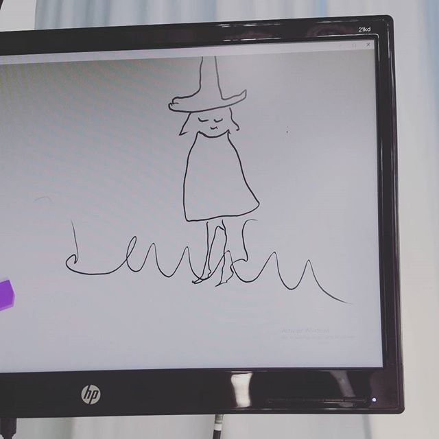 Looking for your VR fix? Schedule an appointment to see #cosmoramarama —if you're nice, we'll let you try your hand at doodling, too! Just ask Ali.  #vr #virtualreality #oculus #oculusrift #quill #art #digitalart #vrillustration #wesleyallsbrook #witchywoman #doodle #handshandshandshandshands
